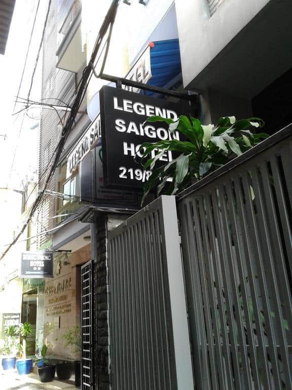 Khách sạn nằm tại con đường Phạm Ngũ Lão