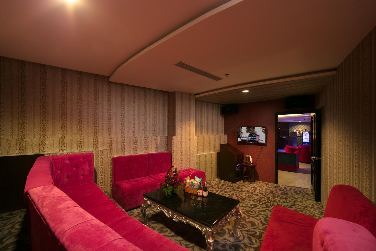 Phòng karaoke với trang thiết bị hiện đại cùng không gian riêng tư