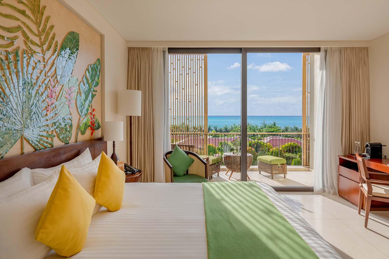 Premium Deluxe Hướng Biển diện tích 43 m2 với quang cảnh hùng vĩ đan xen với nét đẹp mềm mại của biển Phú Quốc