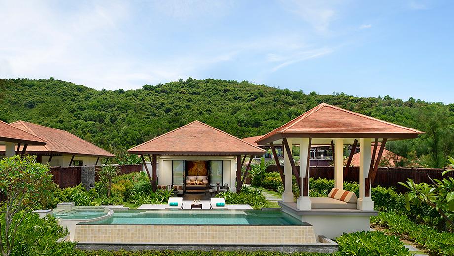 Biệt thự riêng bên bãi biển giúp du khách tận hưởng ành khoảng thời gian thảnh thơi tắm nắng giữa cảnh biển tuyệt đẹp