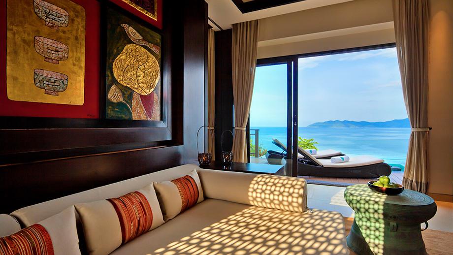 Biệt thự bể bơi sườn đồi hướng biển một phòng ngủ rộng 152m2 là chốn nghỉ ngơi yên tĩnh với cảnh Biển Đông mỹ lệ.