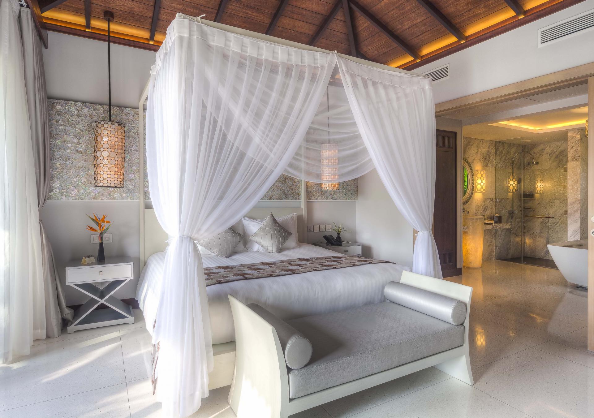 Biệt Thự Suite Ngọc Trai có diện tích lên đến 100 m2, có ban công riêng hướng vườn