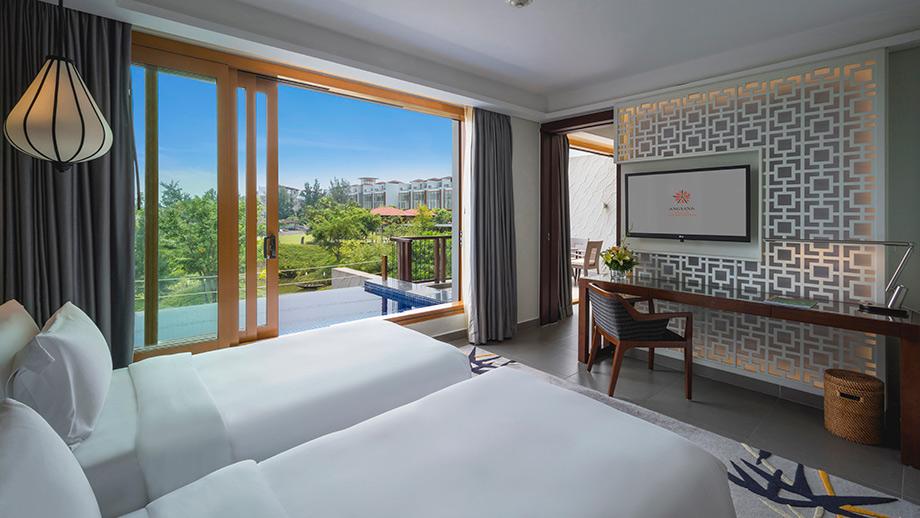 Seaview Junior Pool Suite với những tiện nghi hiện đại, phòng nổi bật với không gian xanh biếc bao quanh 2