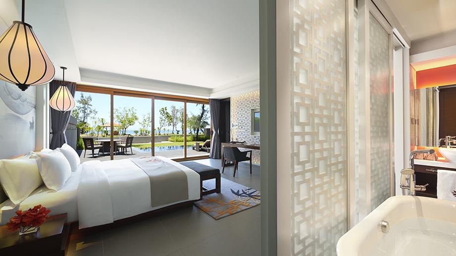 Beachfront Suite là lựa chọn sang trọng và tiện nghi nhất dành cho nhóm bạn thân hay gia đình vì có tới 1-2 buồng ngủ riêng rộng rãi cùng giường cỡ King.