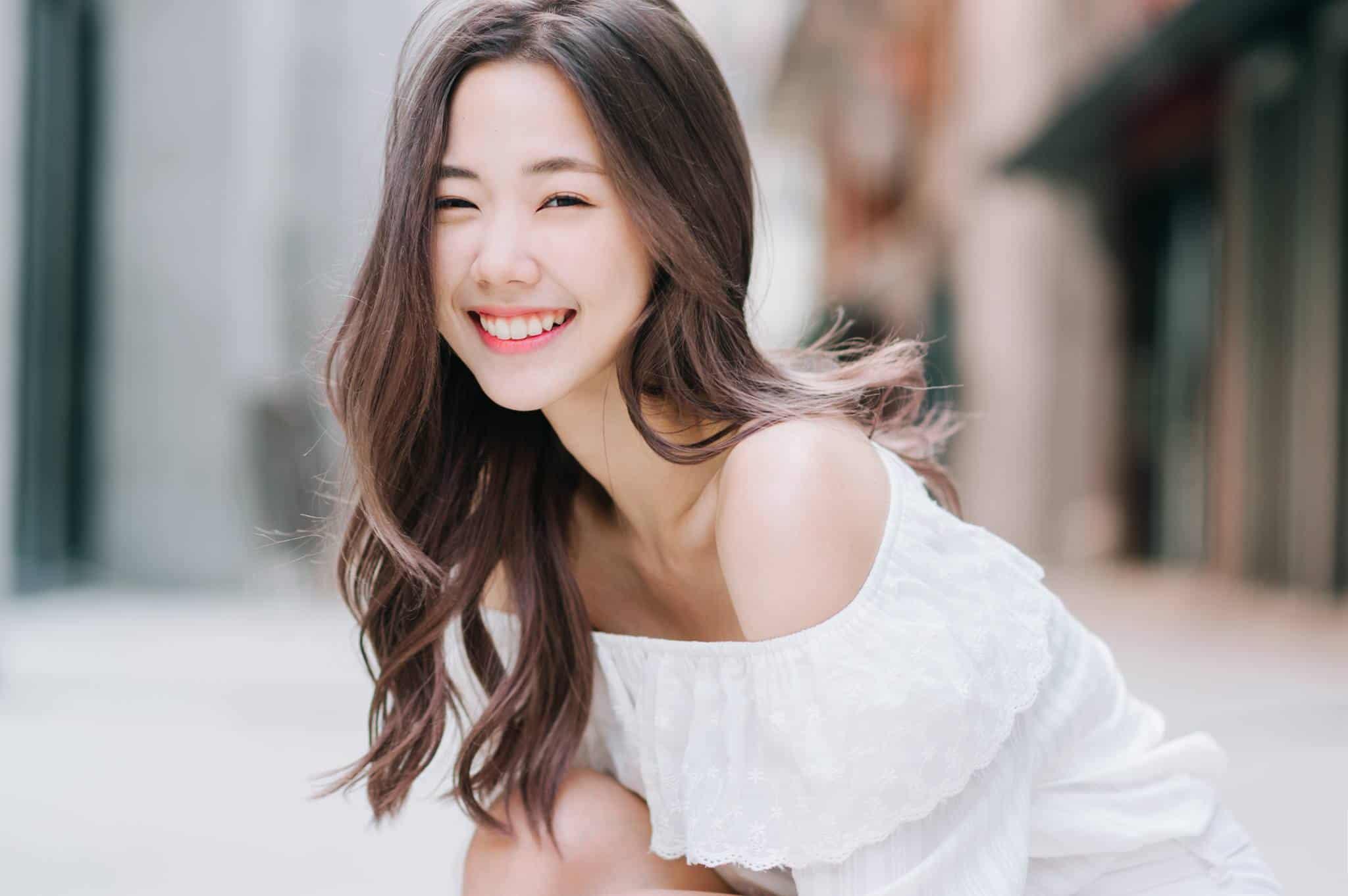 Một nụ cười thật tươi sẽ khiến bạn trông ăn ảnh hơn nhiều