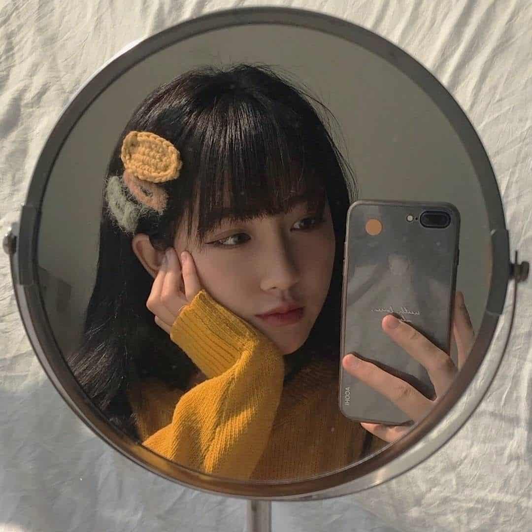 Hãy thật thần thái khi selfie trước gương nhé