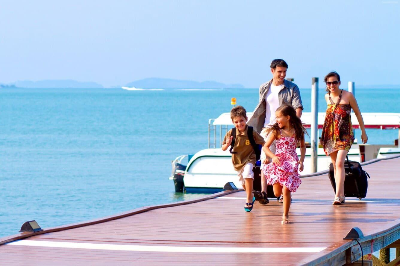 Giai đoạn hè (từ tháng 6 đến tháng 8) là một trong quãng thời gian cao điểm của du lịch