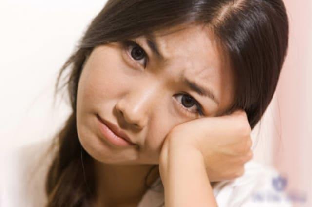 Bạn gái tuổi dậy thì có tâm lý bất ổn, dễ kích động nếu gia đình không chăm sóc tốt. Ảnh: Internet