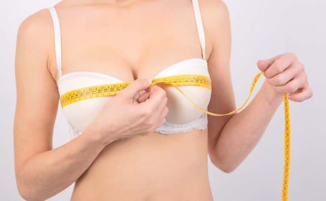 Ngực phát triển ở bạn gái dậy thì. Ảnh: Internet