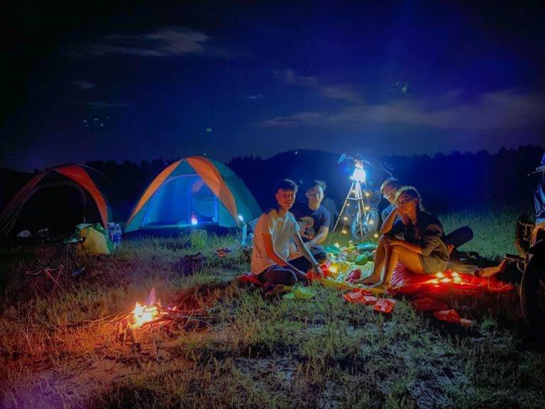 Picnic cuối tuần tại hồ Dầu Tiếng Bình Dương - Nguồn ảnh: FB Tiên Tí Tởn