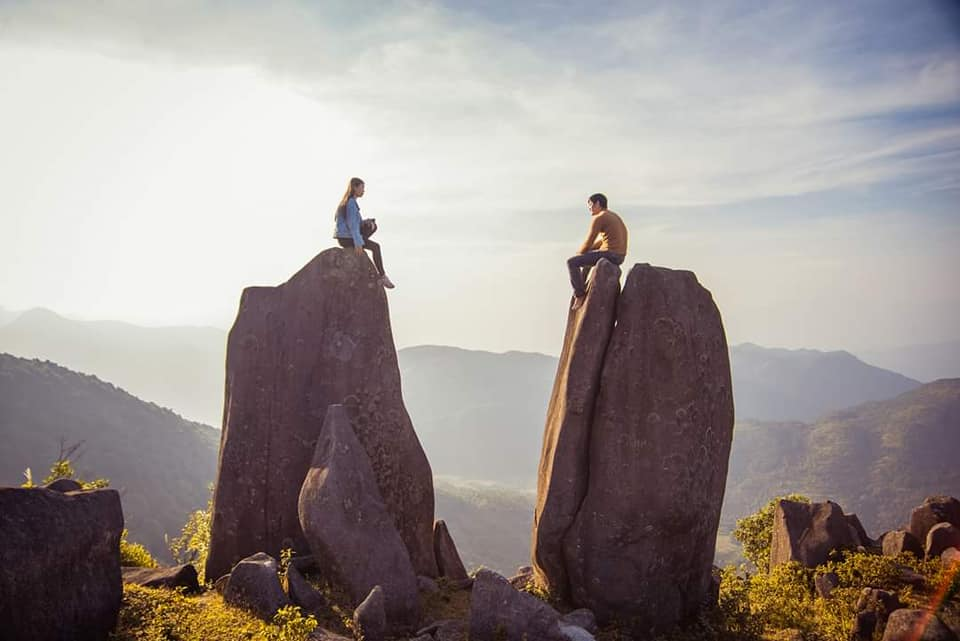 Những tảng đá trên núi Kéo Lạn. Hình: Tuyết Chung