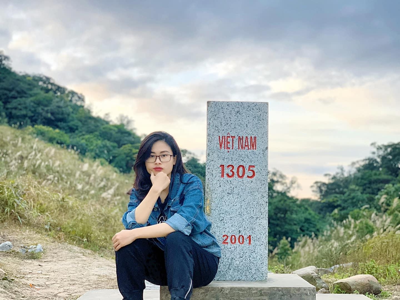 Cột mốc 1305. Hình: Phạm Thu Trang