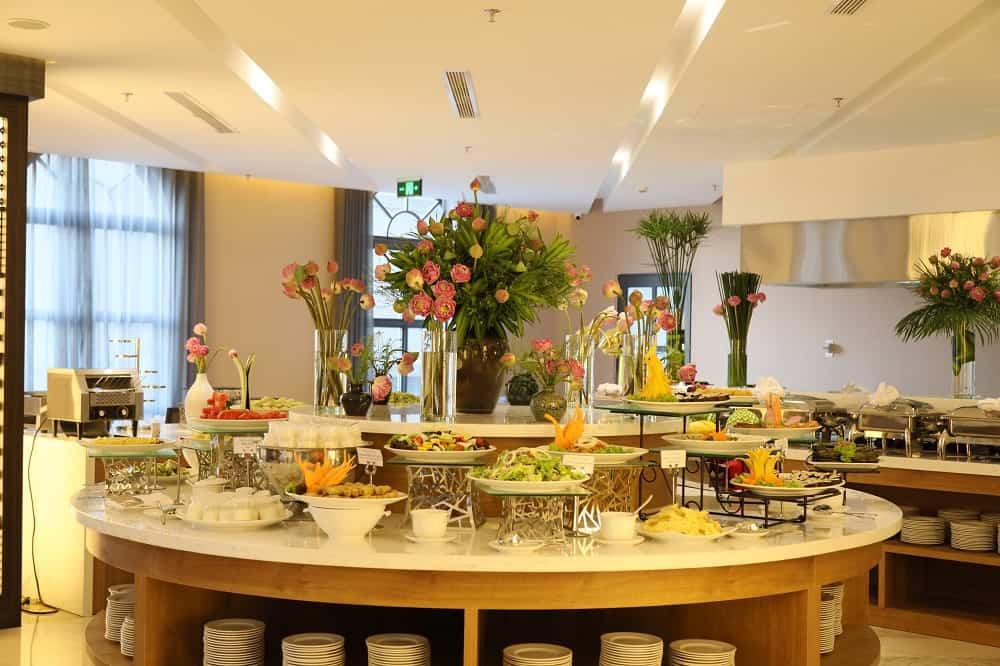 Nhà hàng phục vụ các món ăn đa dạng với chi phí phải chăng