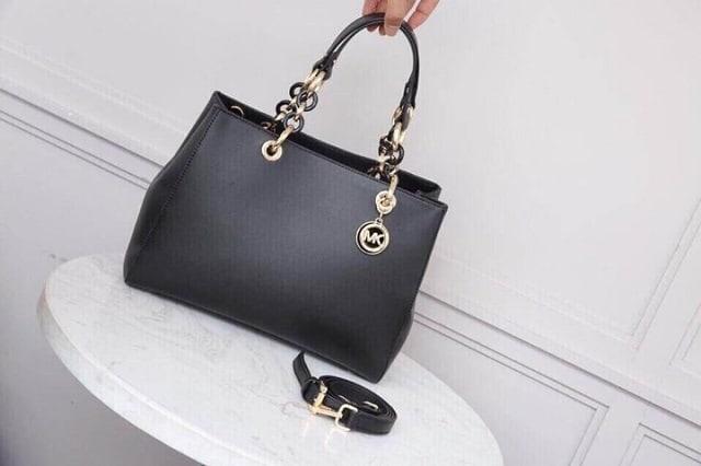 Túi xách thời trang tặng mẹ