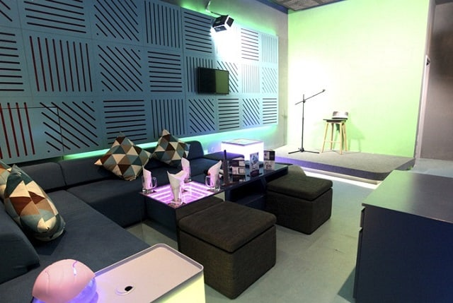 Voohooo Karaoke là quán karaoke ghi hình thu hút giới trẻ ở Sài Gòn