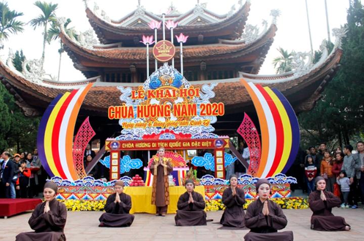 Lễ khai hội chùa Hương năm 2020