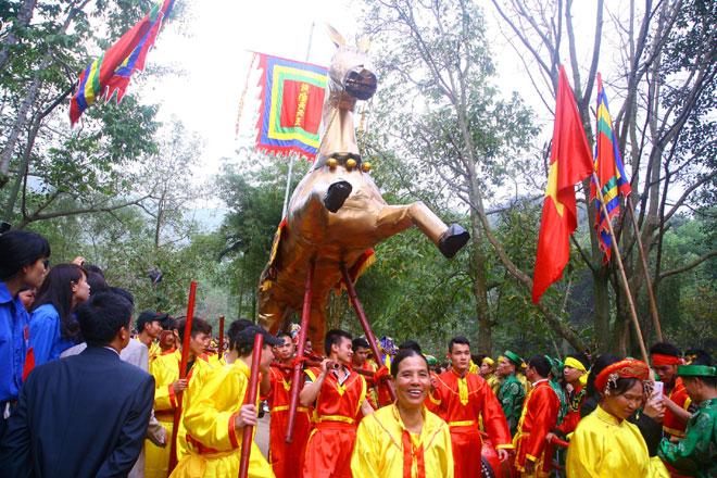 Lễ hội đền Hùng là truyền thống cao đẹp của dân tộc ta