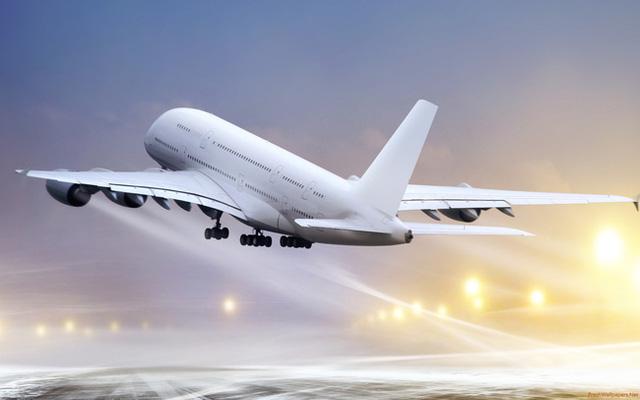 Vé máy bay giá rẻ giúp bạn tiết kiệm được khá nhiều chi phí, thời gian và công sức so với việc di chuyển bằng các phương tiện khác như xe khách, tàu, thuyền,…