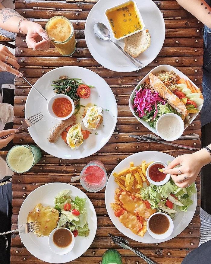 Lựa chọn background có màu sắc tương phản với món ăn. Hình: Ninh Tito