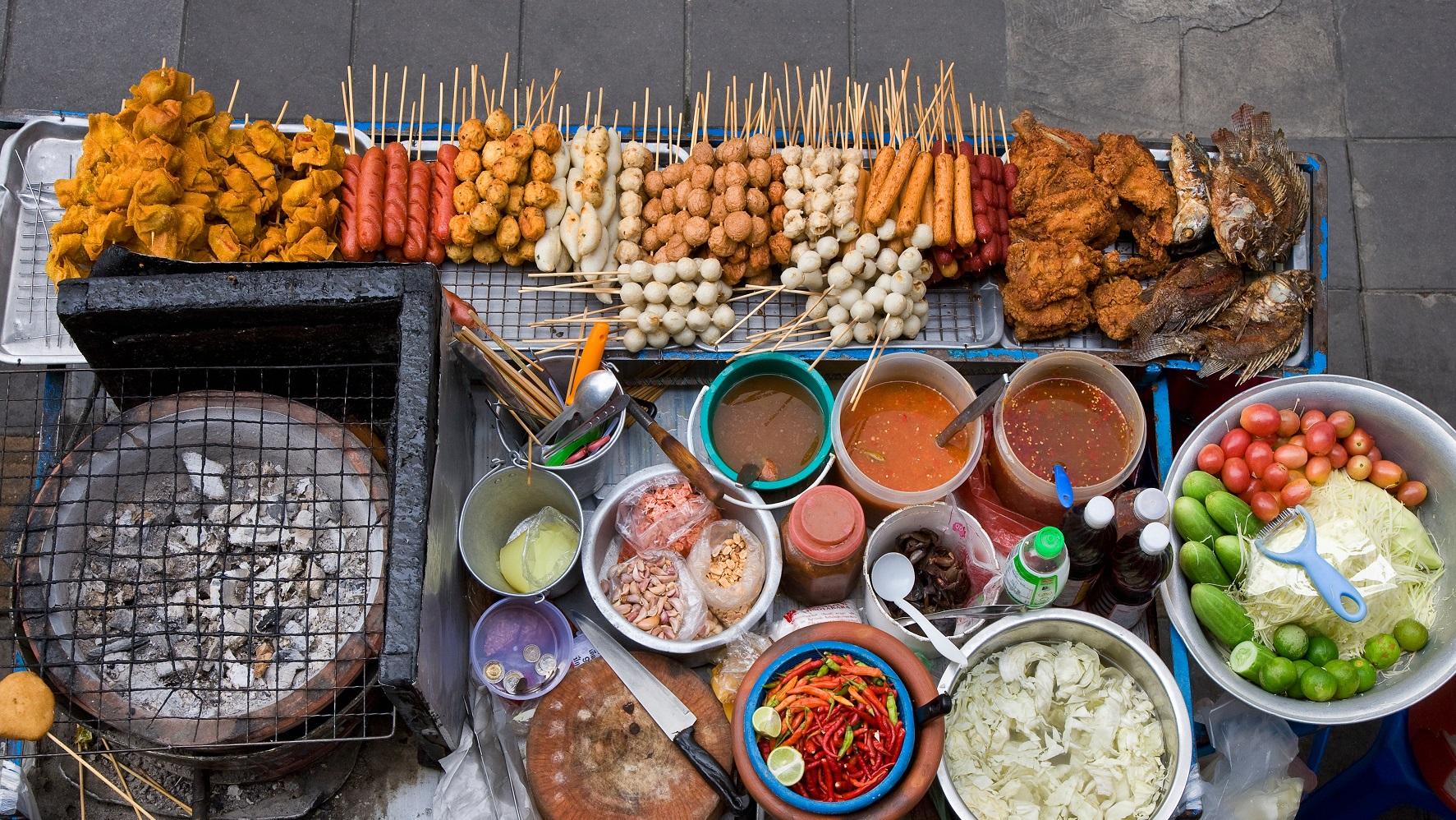Hạn chế những món ăn có thể khiến bạn đầy bụng và khó tiêu. Hình: Internet