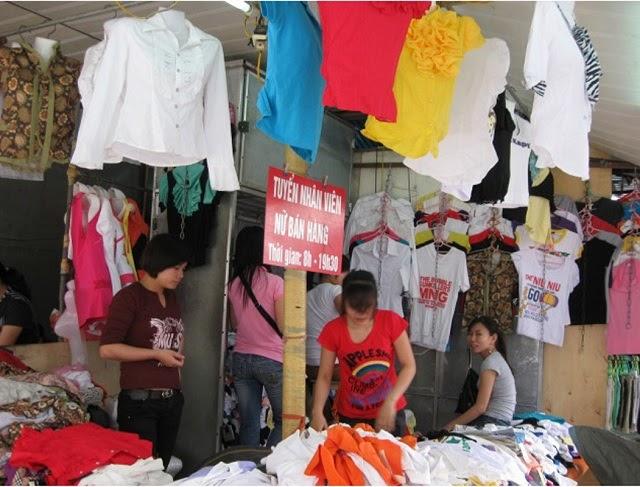 Các mặt hàng được bày bán đa dạng