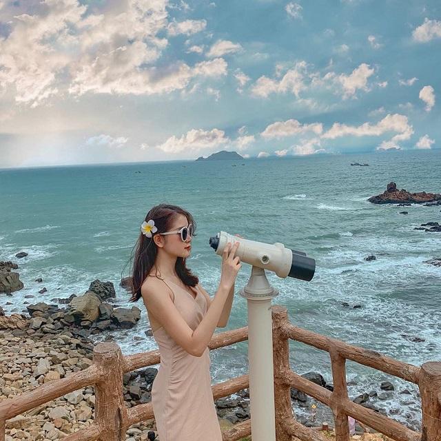 Du lịch Quy Nhơn tháng 12 thời tiết sẽ có những ngày trời nắng hoặc có thể xuất hiện những cơn mưa