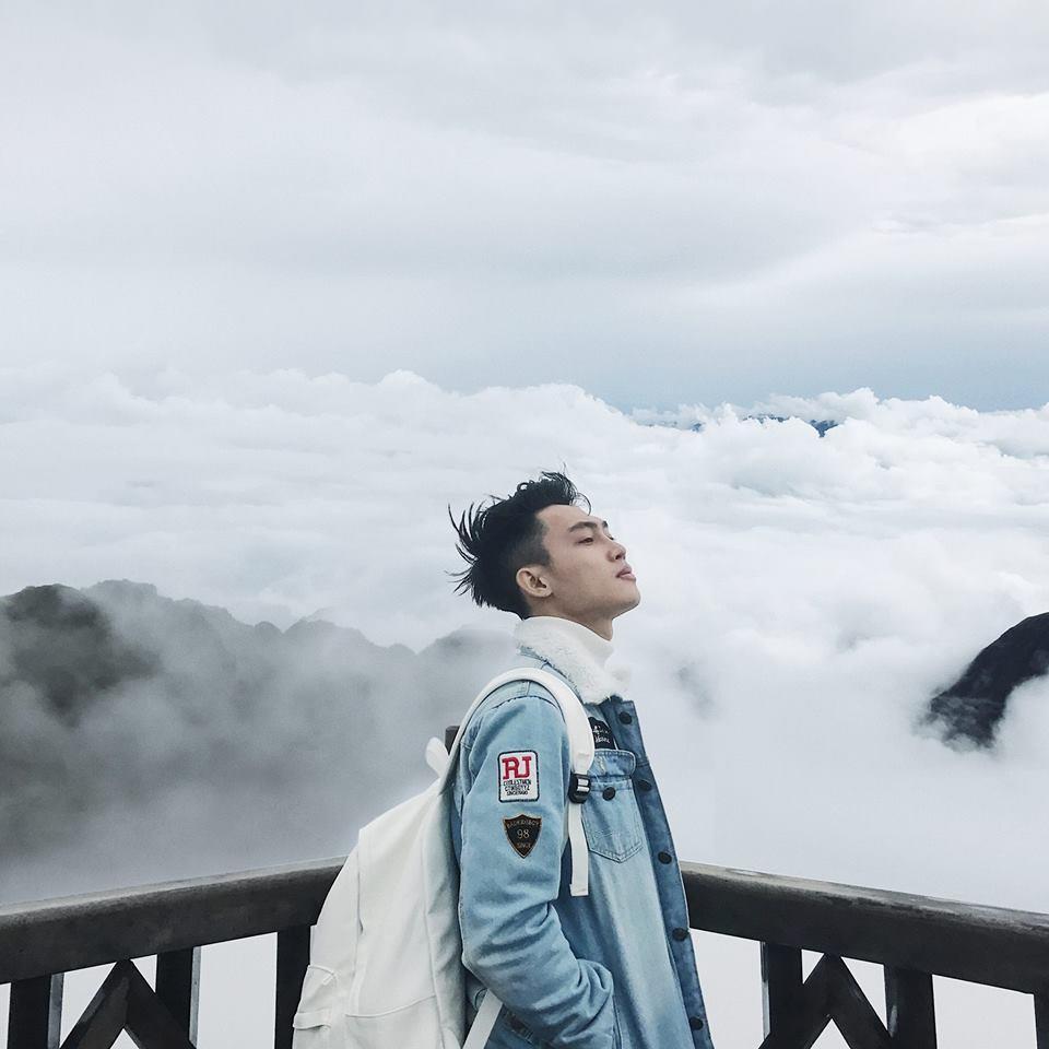 Săn mây trên đỉnh Fansipan là một trải nghiệm mà bạn không nên bỏ lỡ khi du lịch Sapa tháng 12. Hình: Sưu tầm