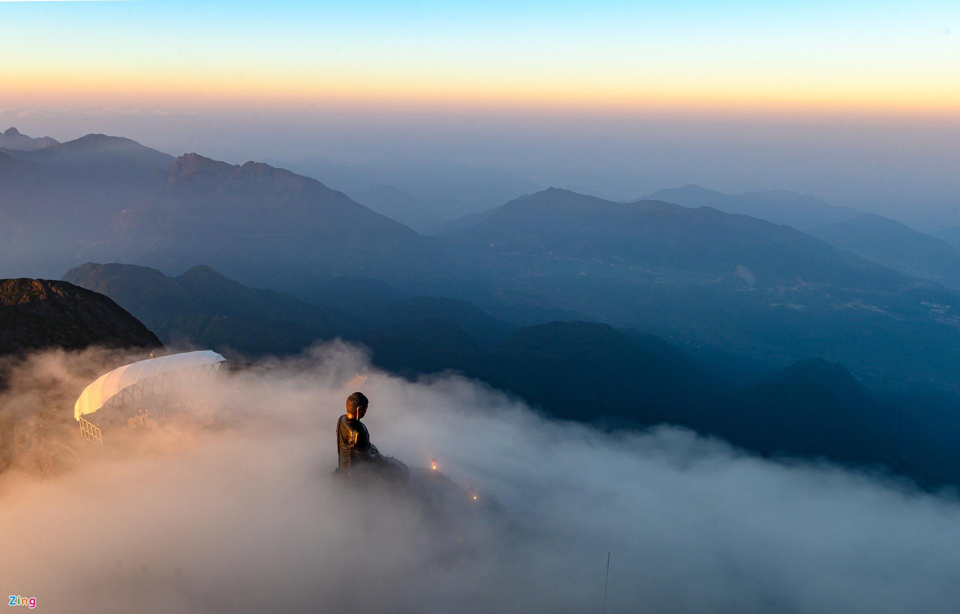 Biển mây trên đỉnh Fansipan. Hình: Zing