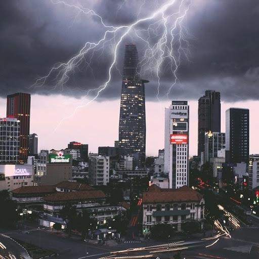 Trời Sài Gòn ấn tượng trước cơn mưa - Nguồn ảnh: Internet