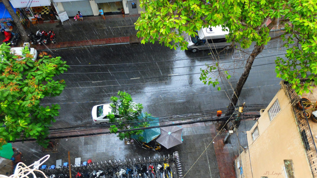 Mưa Sài Gòn cùng những câu chuyện khó quên - Nguồn ảnh: Internet
