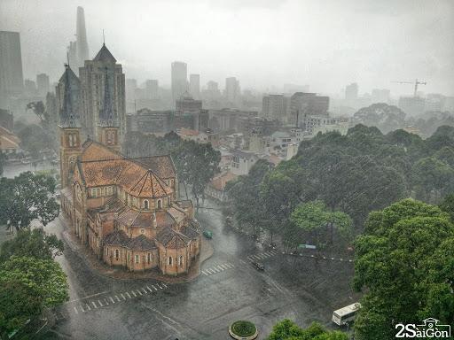 Ngắm Sài Gòn dưới màn mưa - Nguồn ảnh: Internet