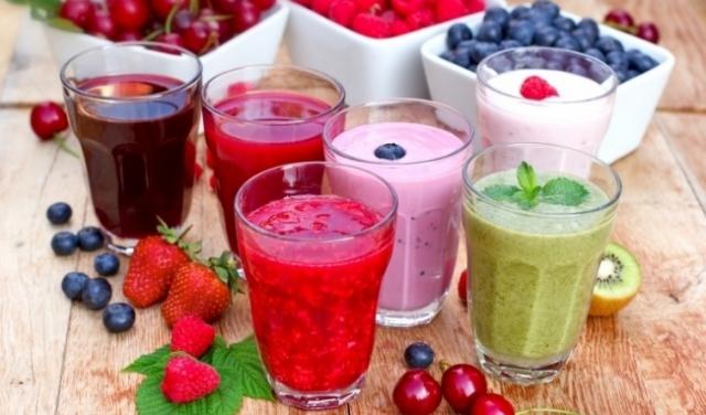 Sinh tố, nước ép hoa quả tươi bổ dưỡng, dễ tiêu hoá. Ảnh: Internet