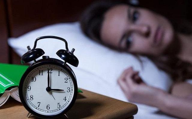 Mất ngủ, thiếu ngủ dẫn tới đau đầu