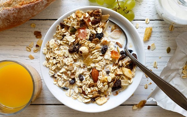 Ngũ cốc nguyên hạt có chứa nhiều thành phần dinh dưỡng có lợi cho sức khỏe