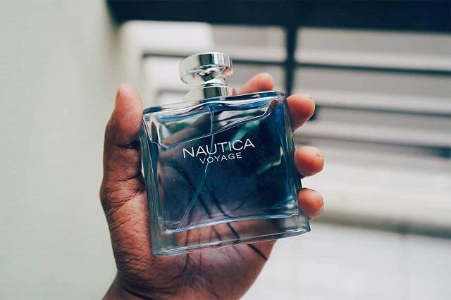 Nước hoa là món quà lý tưởng để bạn dành tặng những người đàn ông trong gia đình hoặc bạn bè