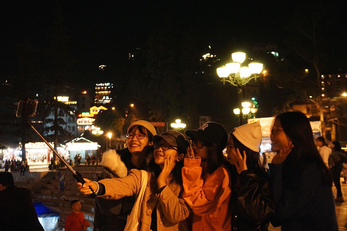 hình ảnh đẹp thị trấn Sa Pa về đêm