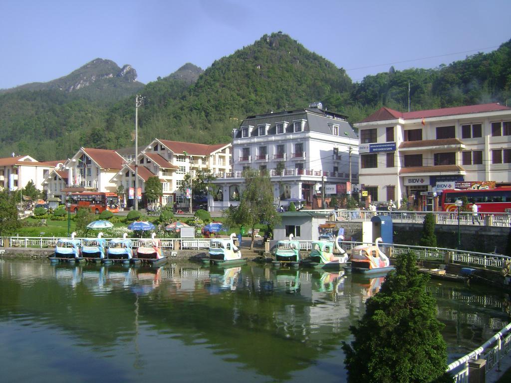 Ngoài view thành phố, Sapa Hotel còn có view hồ