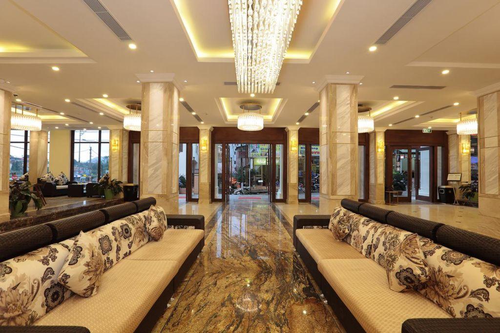 Sảnh khách sạn sang trọng, hiện đại
