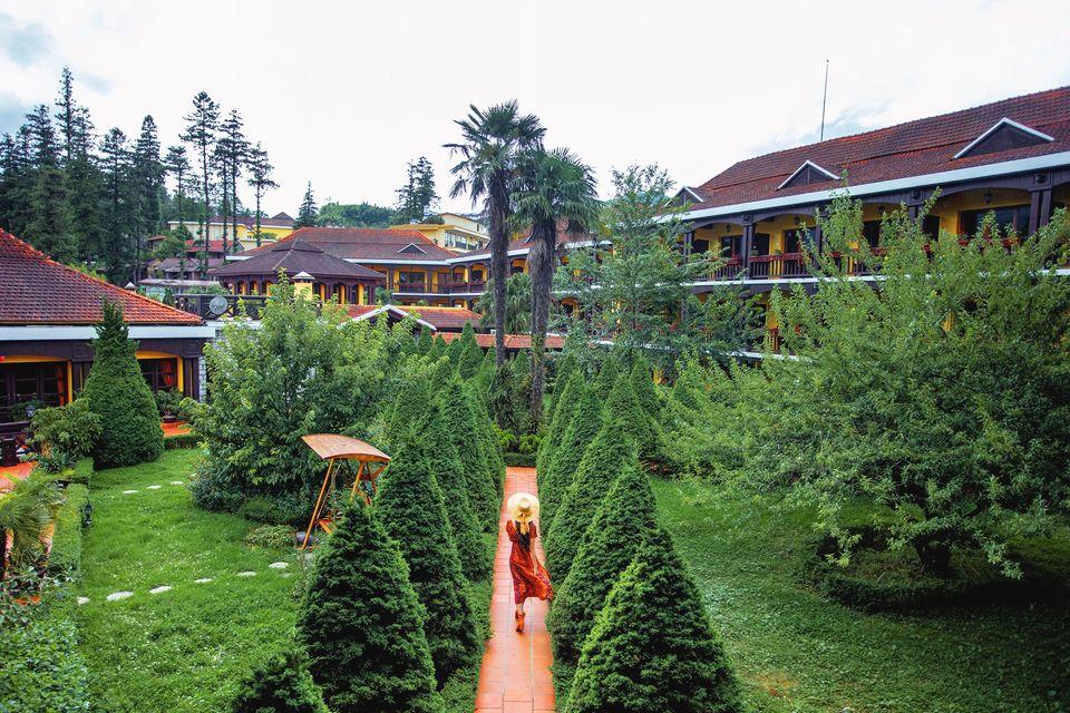 Khuôn viên xanh mát của Victoria Sapa