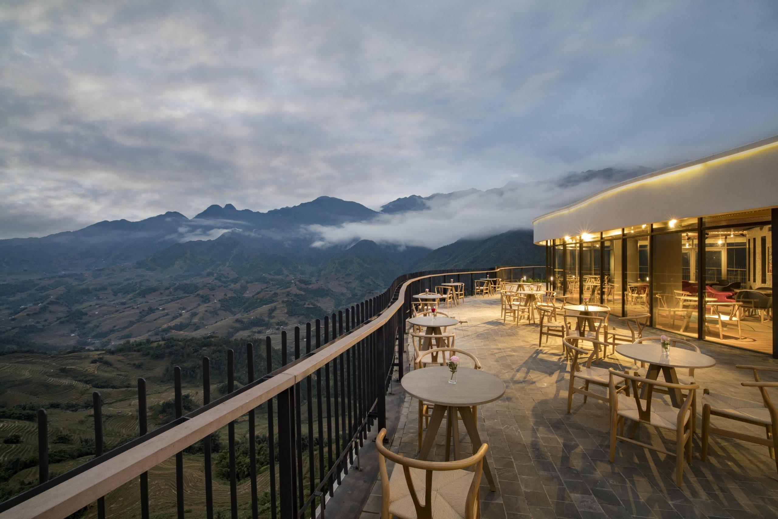 Tận hưởng cảnh đẹp núi rừng Sapa tại nhà hàng Pao's