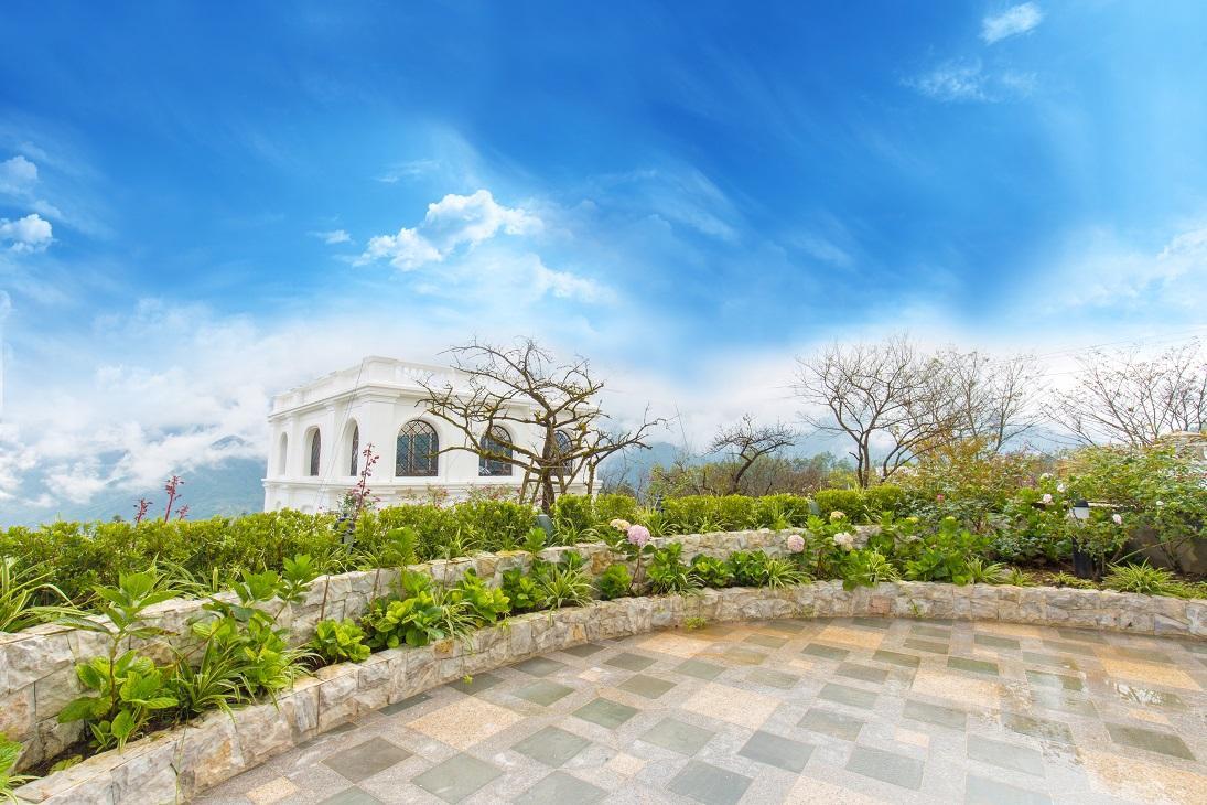 Khu vườn nên thơ của Silk Path Grand Resort & Spa