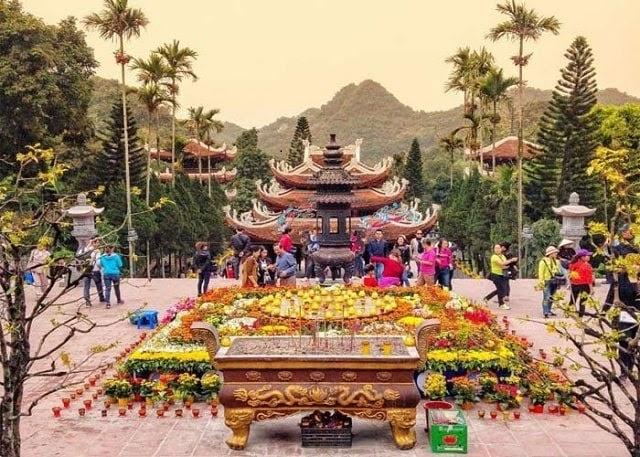 Lễ hội chùa Hương đầu xuân