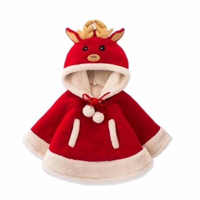 Chiếc áo khoác màu đỏ kết hợp với phần lông mịn màng sẽ biến bé trở thành chú tuần lộc đáng yêu và tinh nghịch