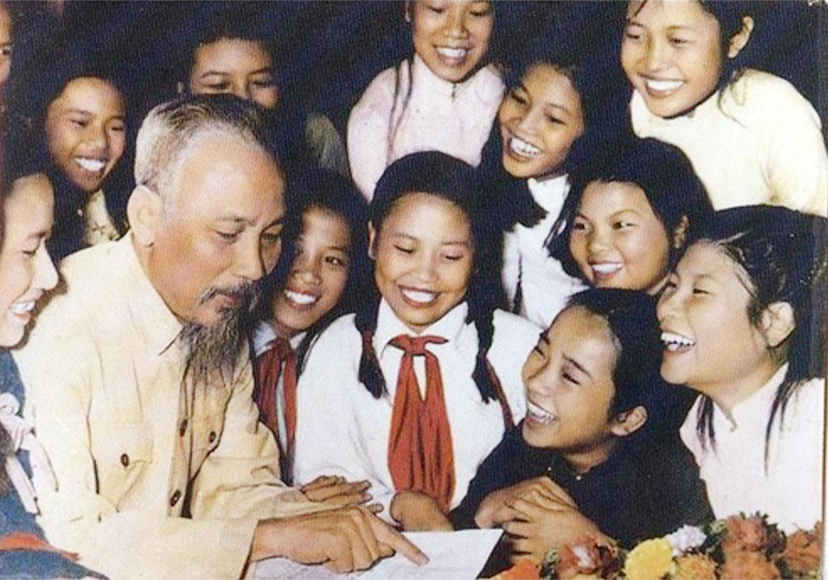 22 bài thơ chúc Tết của Chủ tịch Hồ Chí Minh (1942 – 1969)