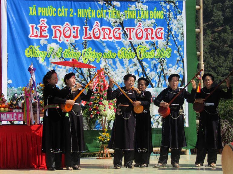 Từ mùng 5 đến mùng 10 Tết Nguyên đán hàng năm, huyện Cát Tiên tổ chức lễ hội Lồng Tồng – lễ hội của bà con dân tộc Tày, Nùng tại xã Phước Cát 2 và thị trấn Phước Cát