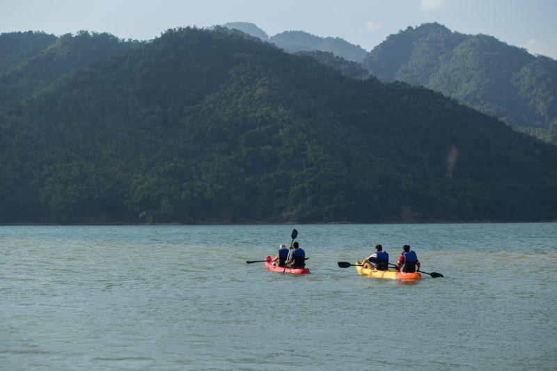 Trải nghiệm chèo thuyền trên sông Đà. Hình: Sưu tầm