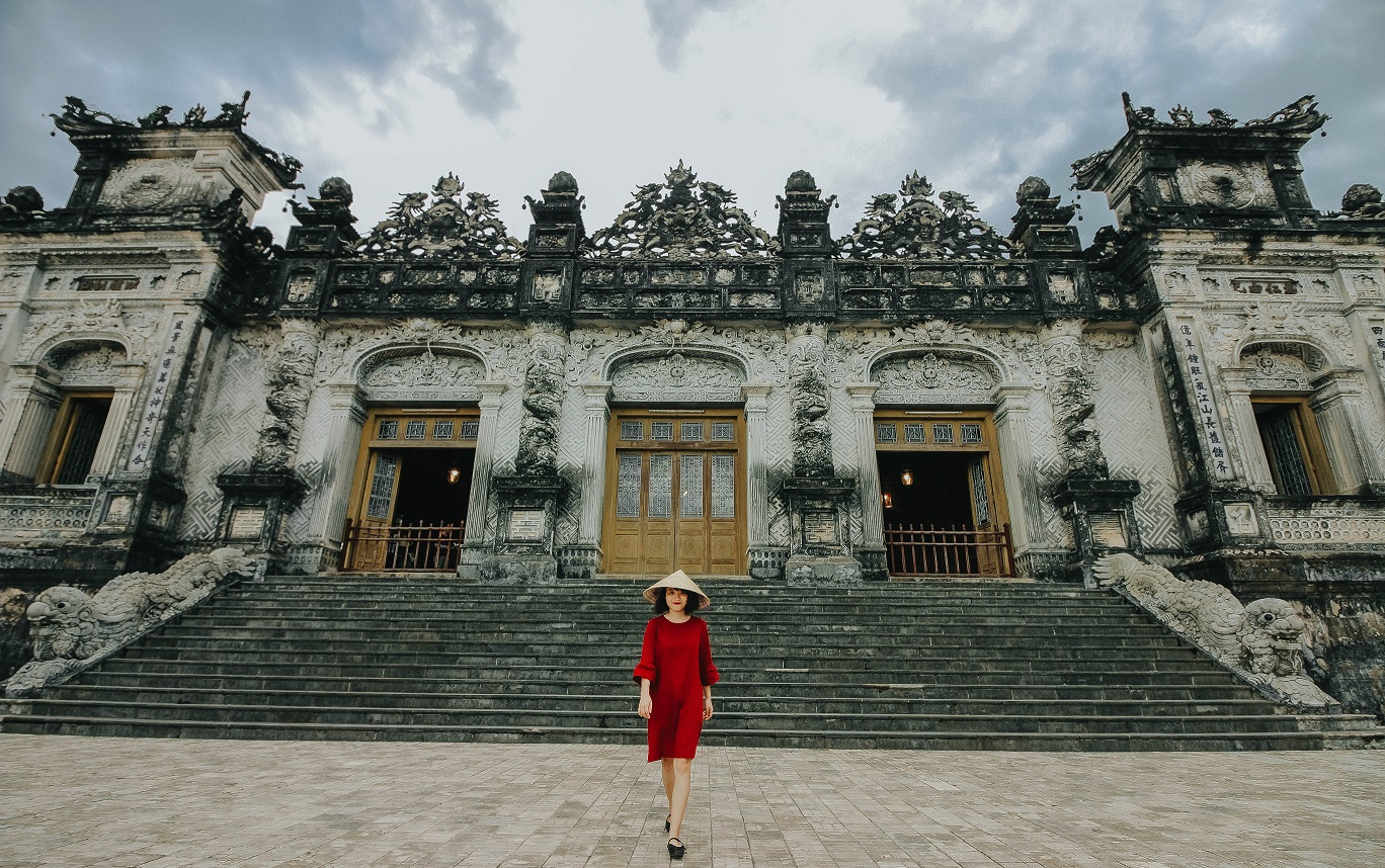 Lăng Khải Định có kiến trúc tuyệt đẹp. Hình: Hoàng Linh Hà