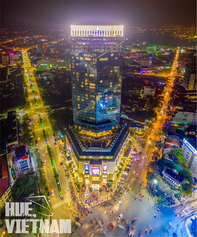 Trung tâm thương mại Vincom nhìn từ trên cao. Hình: Hue, truly Vietnam