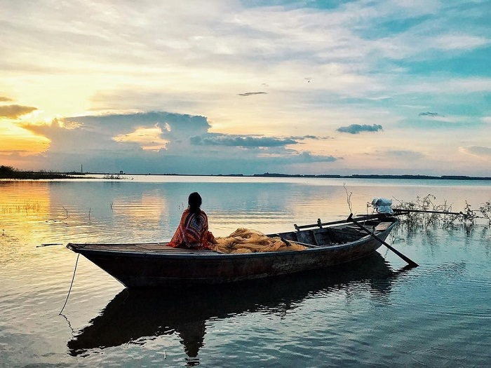 Khung cảnh lãng mạn của hồ Trị An vào ngày mới - Nguồn ảnh: Internet
