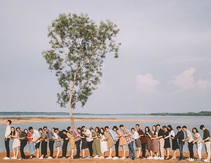 Check-in cực chất tại hồ Trị An cùng nhóm bạn - Nguồn ảnh: Internet